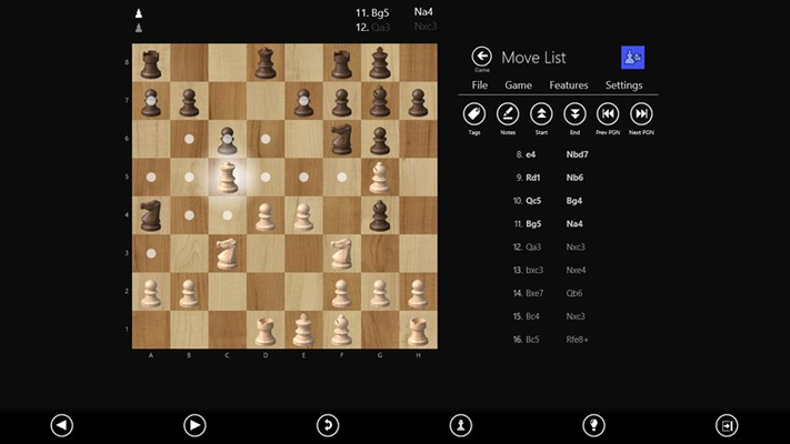 Explore past moves and easily navigate through your games.